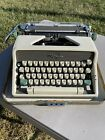 Vintage+1961%2C+Olympia%2C+SM7%2C+De+Luxe+Portable+Typewriter+with+Case%2C+%2A%2AWORKS%2A%2A