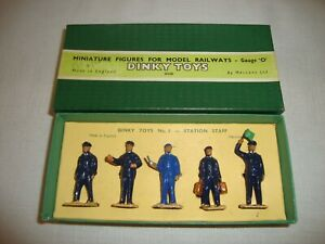 DINKY SET No 1 STATION STAFF - VERY GOOD in original BOX