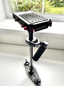 Neewer Handheld Video Camera / DSLR Stabilizer