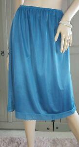 Vintage Classic British Half Slip Silky Blue Nylon Lace Hem Petticoat 16/18 UK.