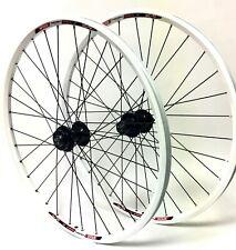 "Speed Tuned White, 26"" mountain bike wheel set, Formula 6-Bolt Disc Black Spokes"