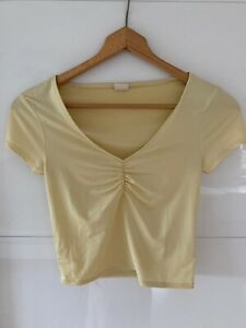 Urban Outfitters Shirt Farbe Gelb Größe S aus Satin