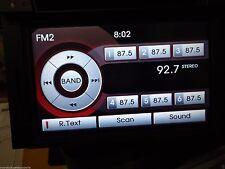 NAVIGATION SYSTEM SCREEN AM FM SIRIUS RADIO AUDIO SYSTEM CD PLAYER OC15J796
