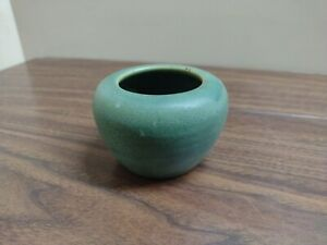 OLD Niloak Pottery Hywood SMALL GREEN Vase Eagle Pottery Co 1930s