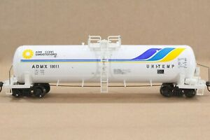 HO Roundhouse ADMX 50ft Single-Dome Side Ladder Tank Car Assmbled Xlnt