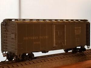 HO Athearn Bev-Bel 40' Southern  Pacific REA Baggage box car #5762, built 1940,