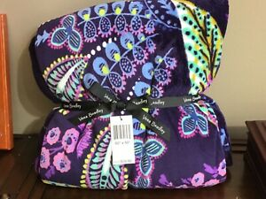 "NEW W/ TAG VERA BRADLEY 80"" x 50"" THROW BLANKET BATIK LEAVES PATTERN"