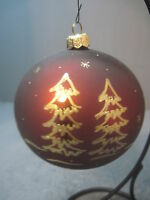 GLASS CHRISTMAS ORNAMENT FROM THE WILLIAMS COLLECTION