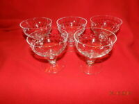 """5 VTG Etched Wine/Champagne Glasses  Design leaf 3 1/2""""X 3 1/2"""""""