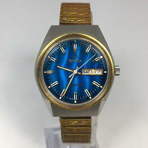 Timex Q Mens Vintage Easy Read Day Date Indicator Bracelet Quartz Analog Watch