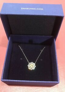 """Swarovski 17"""" necklace & Pendant 16 Clear Crystals, W/ one Clear Honey Stone NEW"""