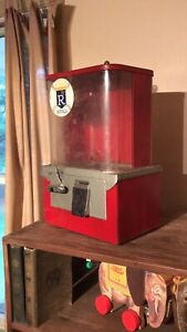 Vintage Gumball  Toy Vending Machine With Key In Great Working Order!