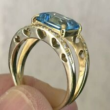 Elegant 18KY Gold Blue Topaz and Diamond  RING size 8