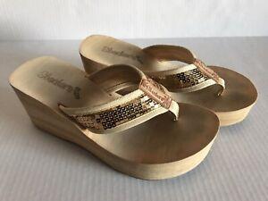 Women's Sketchers Cali Wedge Sandal Gold Sequins Size 7
