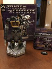 Transformers G1 Soundwave & Laserbeak Palisades Statue Set