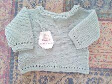 Jersey- chaqueta bebé punto. Hecho a mano. Realizado en algodón verde. 0-3 meses