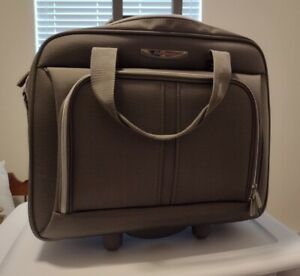 Delsey Rolling UnderSeat Tote Carry-On Bag Gray Excellent Condition