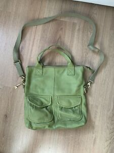 Fossil leather bag-excellent condition