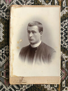 Young Handsome Clergyman/Vicar/Priest Cabinet Card. By Charlton, Canterbury