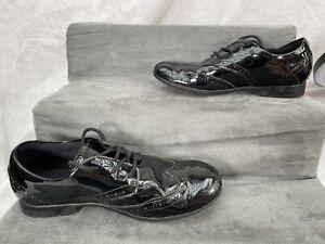Children's Clarks School Shoes black Shiny smart UK Size 2 US 2.5 Brogue Style