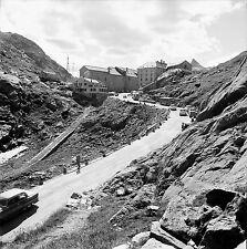 SUISSE c. 1959 - Autos Cars Col du Grand St Bernard - Négatif 6 x 6 - Sui 227