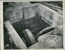 1946 Press Photo Bloomington Ind abandoned pit at Hunter Stone Quarry