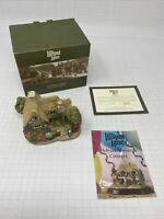 Lilliput lane Chatterbox corner - Boxed with Deeds