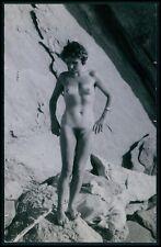 Pinup Nudist risque European pin up nude Ile du Levant 50s Photo postcard v04