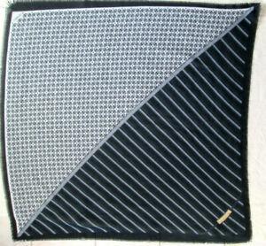 -Superbe  châle GUESS polyester TBEG vintage scarf  140 x 140 cm