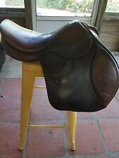 """Zaldi Star hunter jumper saddle 16.5 inch seat, 31"""" tree width"""