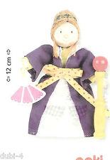 Goki 51623 - Biegepuppe Königin für Puppenhaus Holz