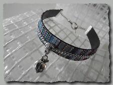 Bracelet manchette tissage fil breloque pomme 20 cm fermé bleu turquoise ethniqu