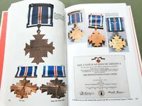 "SIGNED ""THE CALL OF DUTY"" US CIVIL WAR WW1 WW2 MEDALS REFERENCE BOOK Rare Awards"