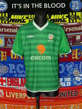 4.5/5 Ireland (Eire) adults L 2003 home football shirt jersey soccer