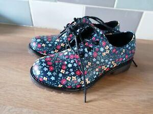 Heavenly feet size 5 Shoe