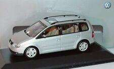 RARE VW TOURAN 1T 2.0 TDI SPORT REFLEX SILVER 1:43 MINICHAMPS (DEALER MODEL)