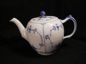 Royal Copenhagen Blue Fluted Plain Large Teapot #259