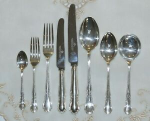 EDWARDIAN HARRISON BROS & HOWSON CHIPPENDALE SILVER PLATED 44 PCE FLATWARE SET
