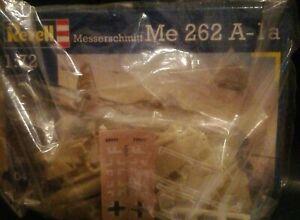 Messerschmitt Me 262 Combo Kit Montaggio Aerei Revell 1/72.