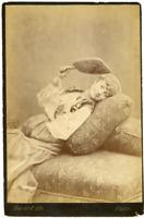 Bacard Fils, France, Jeune femme en tenue orientale allongée, ca.1890, vintage a