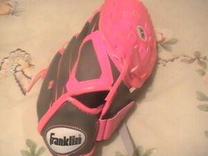 "FRANKLIN Girl's T-Ball Softball 10 1/2 "" RTP  Hand Glove Pink & Gray"