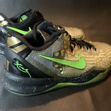 New listing Nike Kobe 8 Ss Christmas 2013 (Gs) Youth Men's Size 6.5 Reptile Spiky Design