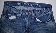 Women's American Eagle AE medium washed lightly Distressed Straight Jeans 26/28