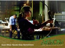 Arrow Season 1 Gold Parallel Base Card #66 Even Oliver Needs Help Sometimes