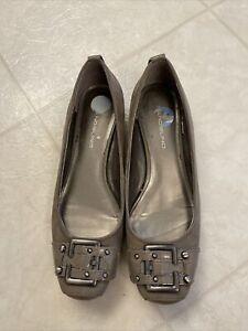 Bandolino Taupe Buckle Toe Women's Slip On Shoes Sz 7.5M