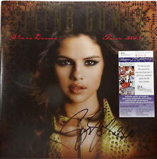 SIGNED SELENA GOMEZ AUTOGRAPHED TOUR BOOK PROGRAM CERTIFIED AUTHENTIC JSA R79003