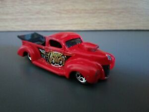 '40 FORD HOT WHEELS ROBO ZOO DIECAST RED 1997