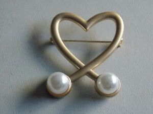 Interesting & Very Chic Gold Tone & Faux Pearl Heart Brooch signed  LY-13392