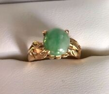 18K Yellow Gold Green 1.5 Ct Jade Ring from Burma