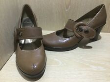 Clarks Size 7 / 41 Taupe Leather High Heel Platform Mary Jane Shoes Stunning